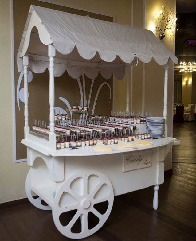 candy bar cart undeliciu outdoor event